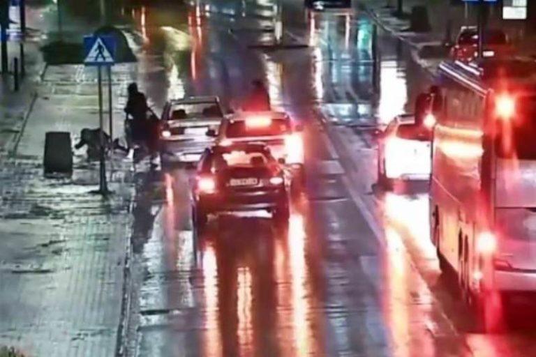 Było ciemno, padał deszcz… Dziewczyny potrącone na przejściu