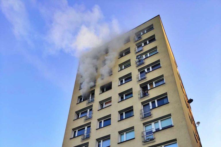 Wybuchł pożar na siódmym piętrze. Jest ofiara śmiertelna