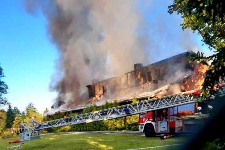 Pożar w magazynie firmy produkującej foliowe opakowania